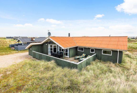 Klassisches Ferienhaus mit Whirlpool und Sauna direkt am Meer