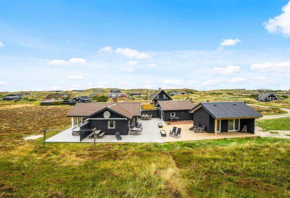 Schönes Ferienhaus mit mehreren Terrassen