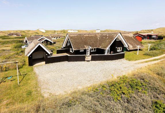 Schickes Poolhaus mit Whirlpool und Sauna in strandnaher Lage