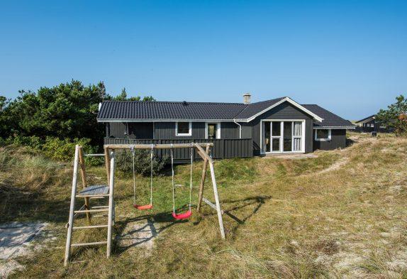 Schönes Ferienhaus in Haurvig mit eingezäunter Terrasse