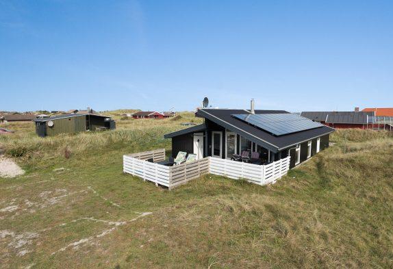 Schönes Ferienhaus nah am Strand und mit gratis Strom