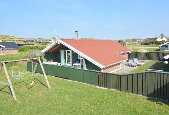 Gemütliches Ferienhaus mit Schaukel, nahe der Nordsee