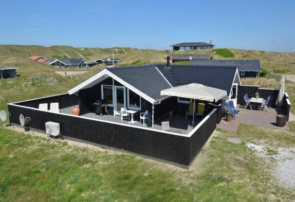 Schönes Haus mit umzäunter Terrasse + Hund erlaubt, dicht am Meer