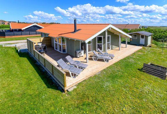 Ferienhaus mit Sauna und Kaminofen nahe der Nordsee
