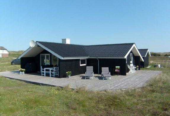 Charmantes Ferienhaus nah am Strand in Årgab