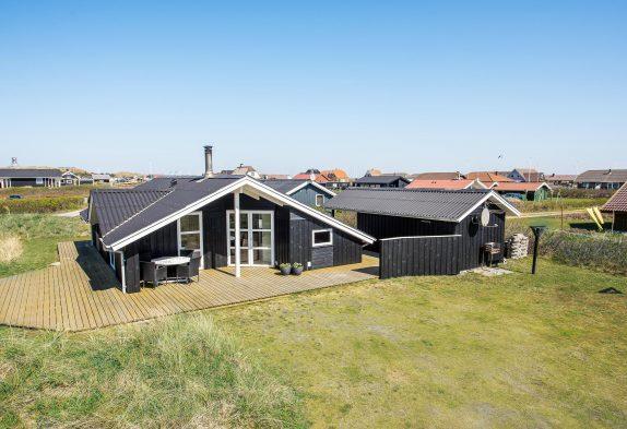 Einladendes Ferienhaus mit Sauna nur 250 m vom Strand entfernt