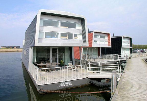 Hausboot mit wunderbarer Aussicht auf den Fjord