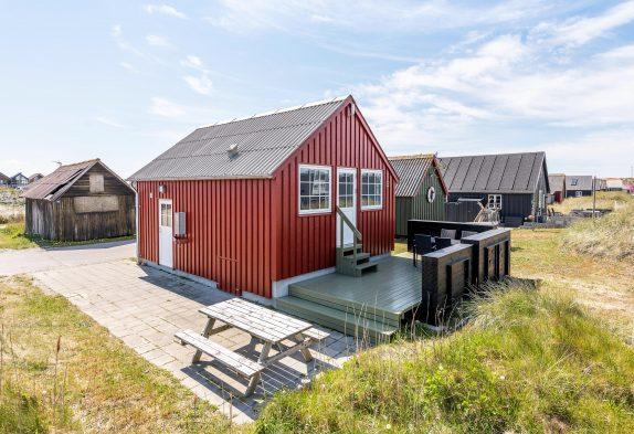Moderne Fischerhütte mit Terrasse