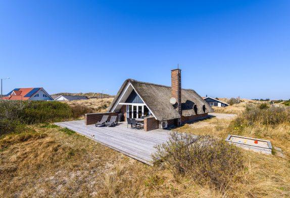 Charmantes Reetdachhaus in Hvide Sande mit Sauna