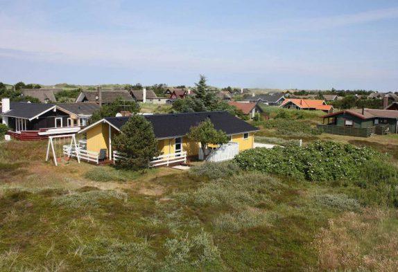 Ferienhaus mit Terrassen auf einem Naturgrundstück
