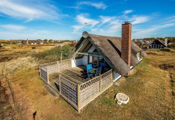 Typisch dänisches Ferienhaus mit Kaminofen