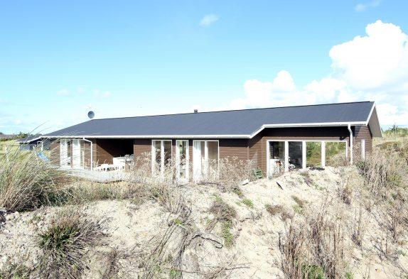 Stilvolles Ferienhaus mit Sauna auf Holmsland Klit