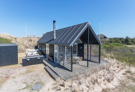 Schickes stilvolles Ferienhaus mit Außensauna und Außenwhirlpool
