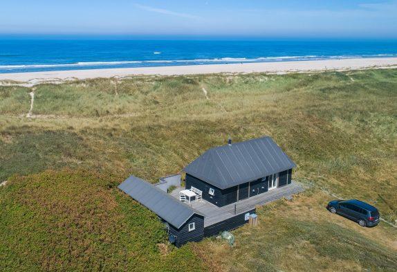 Einzigartiges Ferienhaus inklusive Wellenrauschen – 50 m Strand