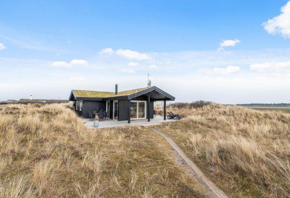 Charmantes Sommerhaus mit Außensauna nah den Dünen