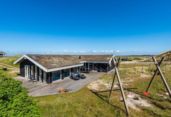 Strandnahes Poolhaus in den Dünen, mit Fjordblick, Sauna & Spa