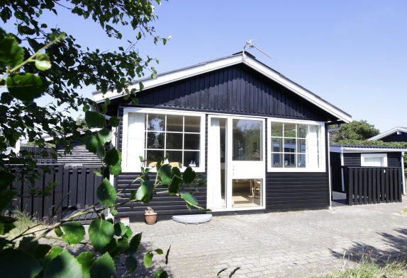 Romantisch & hell eingerichtetes Ferienhaus, 400 Meter zum Strand