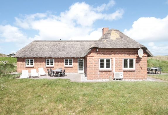 Gepflegtes und geräumiges Reetdachhaus