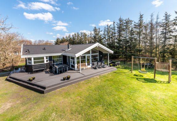 Super schönes Ferienhaus mit prachtvollem Garten