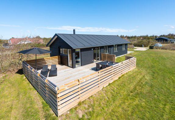 Luxusferienhaus mit Sauna auf grossem Grundstück