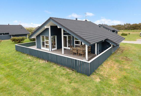 Schönes Ferienhaus in Lodbjerg Hede, Sauna, Whirlpool