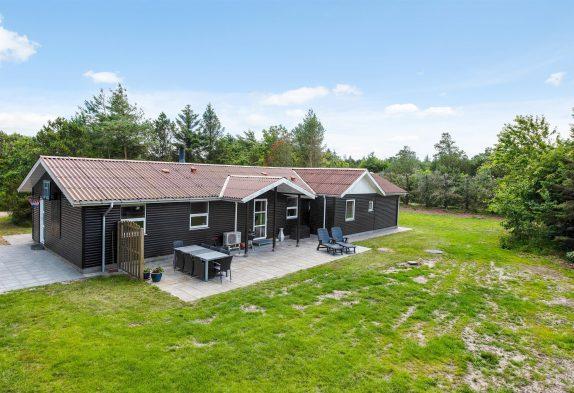 Schönes, renoviertes Ferienhaus mit Whirlpool in Lodbjerg Hede
