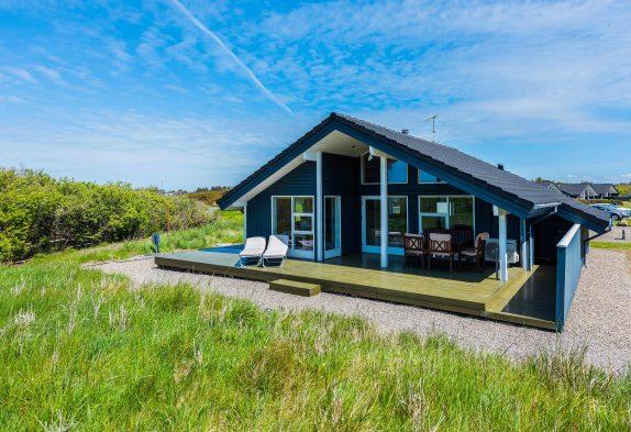 Gemütliches Ferienhaus mit Sauna, Whirlpool und überdachter Terrasse