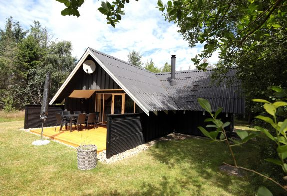 Gemütliches Holzhaus in ruhiger Lage