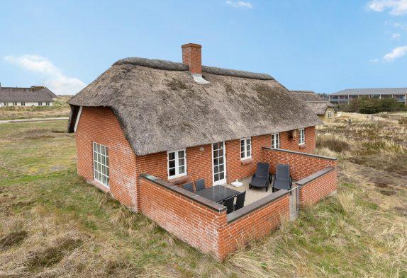 Ferienhaus mit Reetdach in Strandnähe, Sauna und Whirlpool