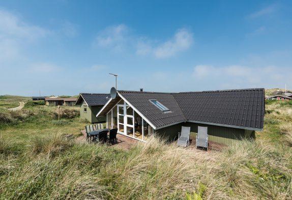 Schönes, gepflegtes Sommerhaus dicht am Strand