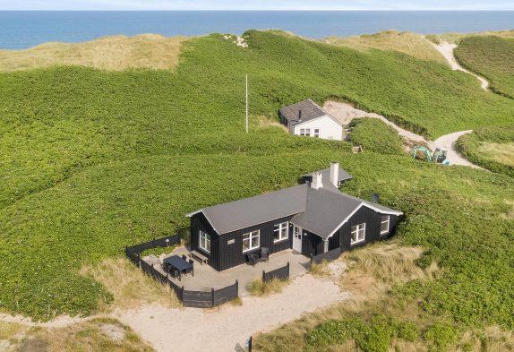 Modernes Ferienhaus nur 50 m von der Nordsee entfernt