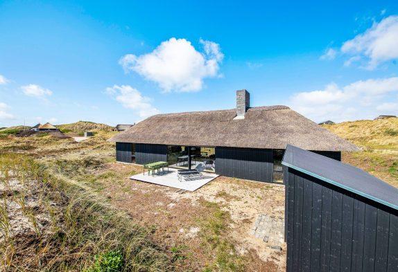 Stylisches Architekten Reetdachhaus nur 300 m vom Strand entfernt