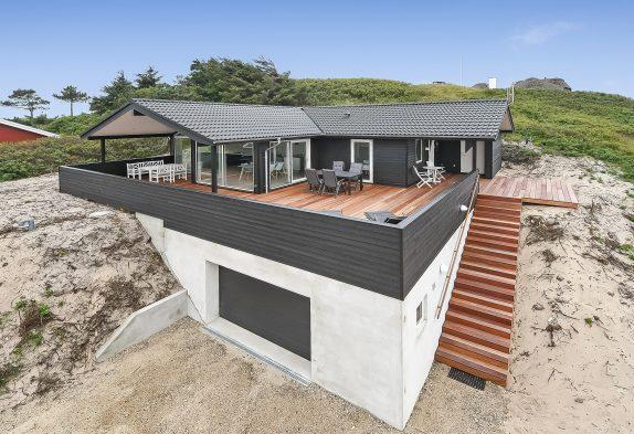Schönes Ferienhaus in Nähe zum Meer in Søndervig mit Sauna