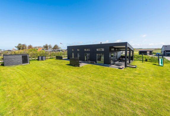 Modern eingerichtetes Ferienhaus nah an Søndervig