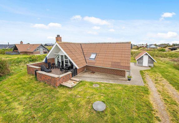 Sommerhus med varmepumpe tæt på havet, hund tilladt