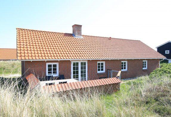 Modern, gut ausgestattetes Ferienhaus nur 175 Meter vom Strand