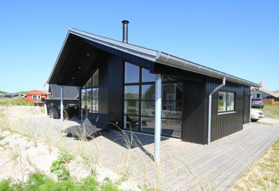 Schönes, ganz strandnahes Ferienhaus in Søndervig
