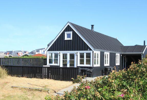 Modernes Ferienhaus dicht am Strand in Søndervig