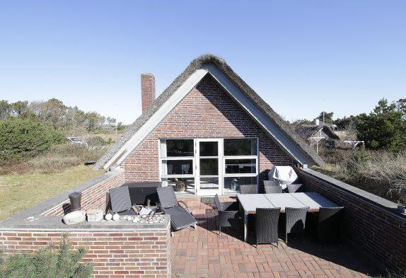 Schönes Reetdachhaus in Søndervig, strandnah!