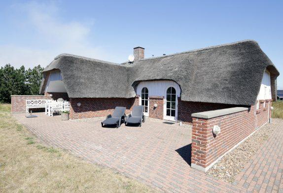 Gepflegtes Ferienhaus mit Reetdach in ruhiger Lage