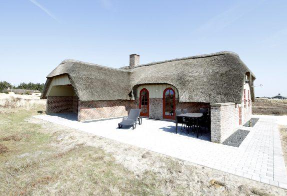 Gepflegtes und in 2021 renoviertes Reetdachhaus beiSøndervig